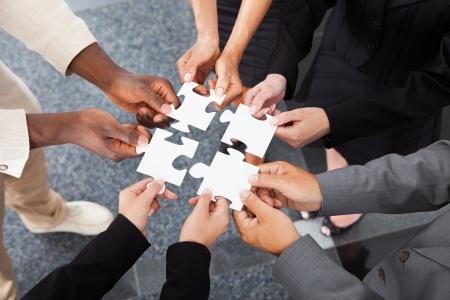 ثروت واقعی توانمندشو خودشناسی توانمندی موفقیت کار تیمی حامد سلیمانی